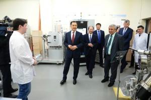 PM to visit Physics Lab